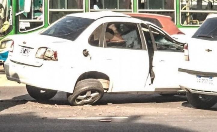 Conductor borracho atropelló y mató a tres personas, intentó escapar y los vecinos casi lo linchan