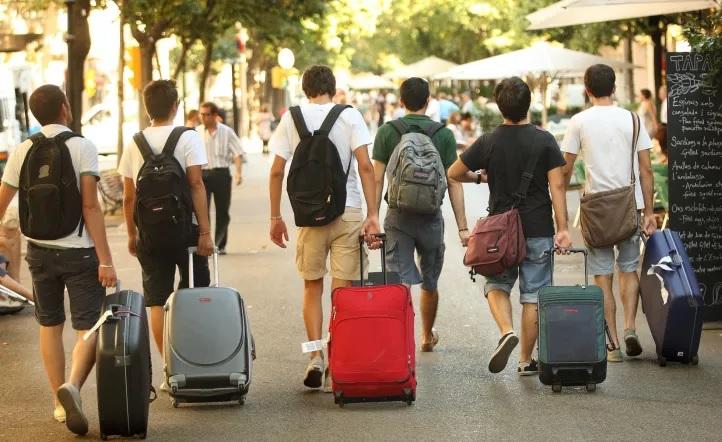 Una tendencia que crece, cada vez más argentinos quieren irse a vivir a otro país