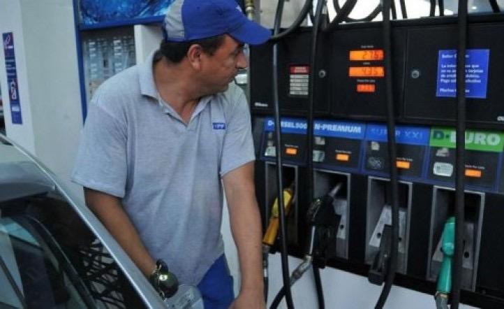 El Gobierno postergó una suba del precio de la nafta