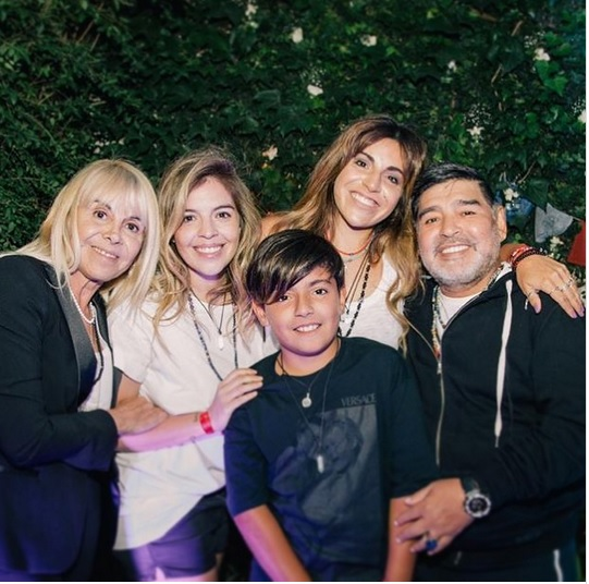 La foto del año, Maradona y Claudia juntos