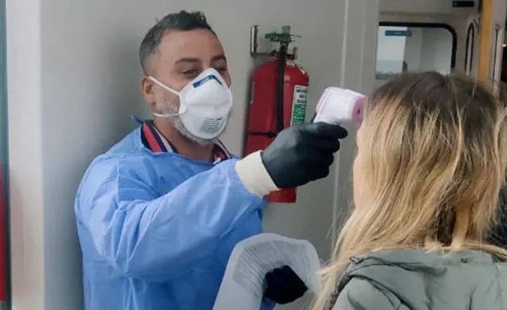 Dio negativo el analisis de coronavirus a una persona que volvió de Italia al país con fiebre