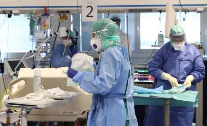 Italia: Dos enfermeras que luchaban contra el coronavirus se suicidaron