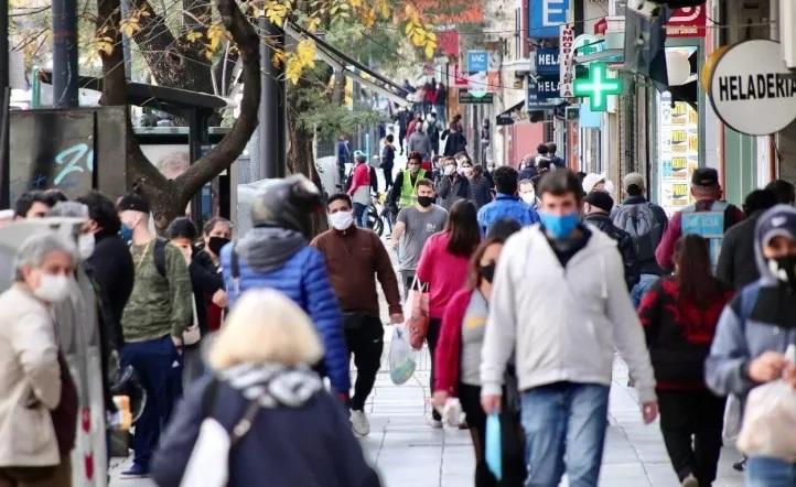 """La Ciudad asegura que la curva de contagios está en la """"meseta histórica"""""""
