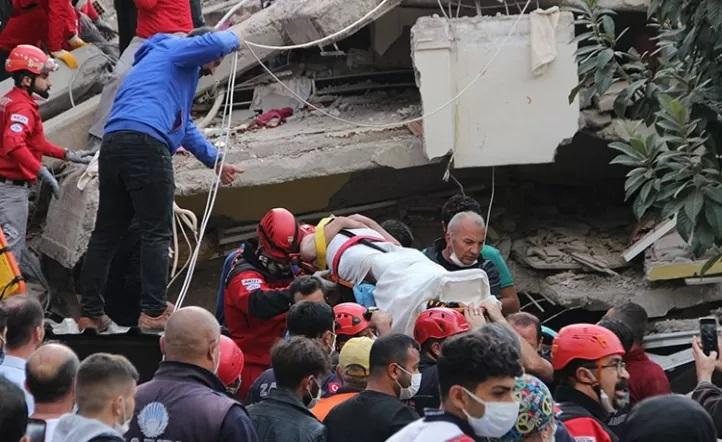 27 muertos y más de 800 heridos por Tsunami en Grecia y Turquía