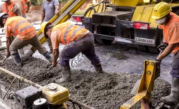 El Gobierno sumará a la construcción al programa de conversión de planes sociales por trabajo